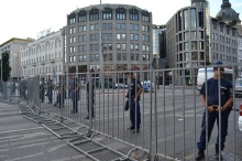 Police cordon at Deák Square.