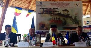 Băsescu (second from left) speaking at the 2013 Summer University—in Izvoru Mureşului.