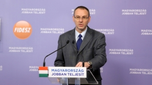 Fidesz Spokesman Róbert Zsigó: the Curia stood on the side of banks.