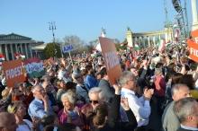 Peace Marchers, including Deputy Prime Minister Zsolt Semjén (white shirt), Listen to Prime Minister Orbán's speech on Heroes Square .
