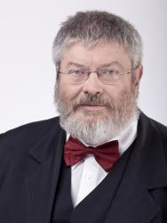 Government Commissioner Géza Szőcs.