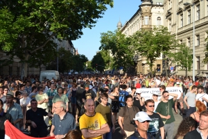 Demonstrators protest alleged Orbán government constraints on the independent media.