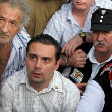 Gábor Vona passively resists arrest at Hungarian Guard demonstration (7/4/2009).