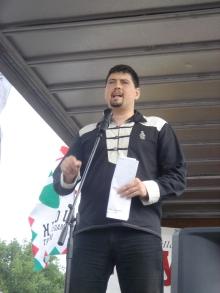 Jobbik Vice-President Csanád Szegedi speaks at annual 64 Counties Youth Movement Treaty of Trianon protest (6/3/2007).