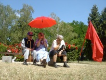 Elderly participants at ceremony marking the anniversary of the death of longtime Hungarian Socialist Workers' Party General Secretary János Kádár (7/7/2007).
