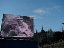 Image of Nazi concentration-camp prisoner at Hungarian Socialist Party Peace Day rally (5/9/2008).