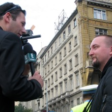 Tomcat speaks to Echo TV reporter during anti-government demonstration (9/17/2007).
