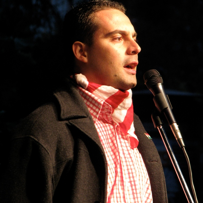 Jobbik President Gábor Vona speaks at anti-government rally before march on Budapest Opera House (10/22/2007).