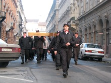 Members of the Hungarian Guard prepare to erect an Advent cross on a nearby square (12/2/2007).