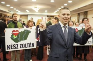 Independent candidate Zoltán Kész celebrates his victory in the February , 2015 Veszprém by-election (photo: Magyar Nemzet).