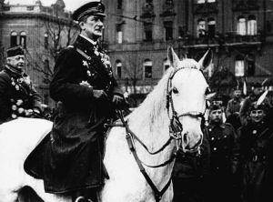 National Army commander Horthy enters Budapest.