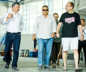Prime Minister Orbán (center) arrives for his annual speech at the Tusványos Summer University (photo: Viktor Orbán Facebook page).