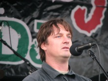 György Budaházy speaks to anti-government demonstrators before leading march to the Soviet War Memorial (9/20/2008).