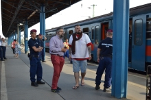 Migration Aid volunteers at the Western Railway Station.