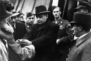 The United States Office of Strategic Services returns Arrow Cross government leader Ferenc Szálasi to Hungary on October 5, 1945.