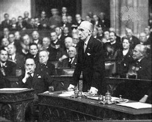 Former Prime Minister László Bárdossy facing the Budapest People's Tribunal.