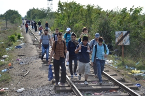 Migrants travel along defunct railway in northern Serbia on September 15, 2015 (photo: Orange Files).