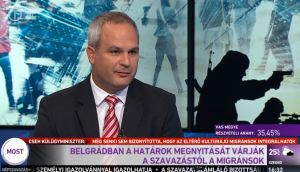 (8) MIGRANTS IN BELGRADE EXPECT OPENING OF BORDER AS A RESULT OF VOTE [REFERENDUM].
