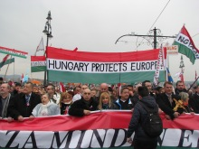 """Peace March slogan: """"Hungary Protects Europe!"""""""