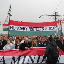"Peace March slogan: ""Hungary Protects Europe!"""