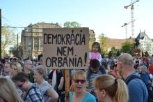"""Democracy, not Orbánacy!"""